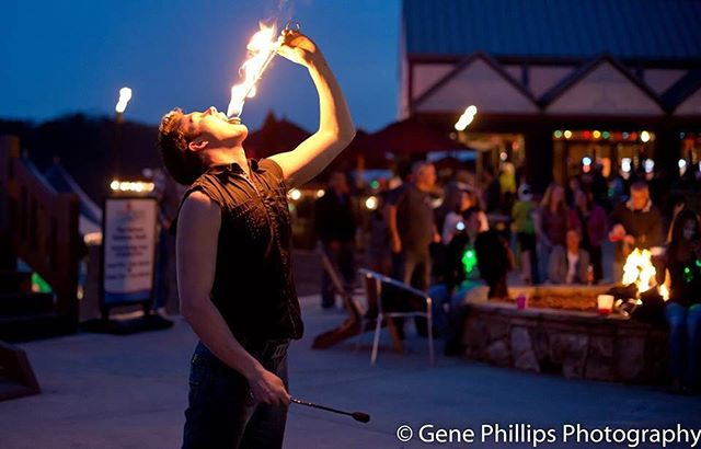 Tonight is the last Lake Lanier Full Moon Party!